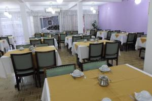 A restaurant or other place to eat at Hotel 15 de Julho