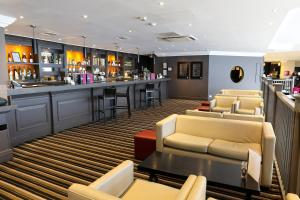 The lounge or bar area at Crowne Plaza Manchester Airport