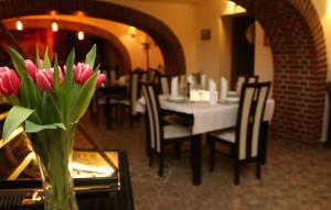 Restauracja lub miejsce do jedzenia w obiekcie Polonia Raciborz