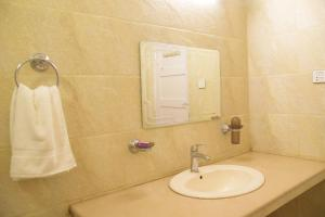 A bathroom at Youth Hostel Association