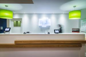 The lobby or reception area at Holiday Inn Stoke on Trent M6 Jct15