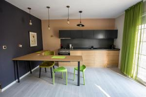 A kitchen or kitchenette at Villa Number 6