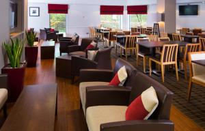 A restaurant or other place to eat at Holiday Inn Express Droitwich Spa