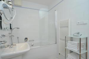 Ein Badezimmer in der Unterkunft Selinor Old Town Apartments