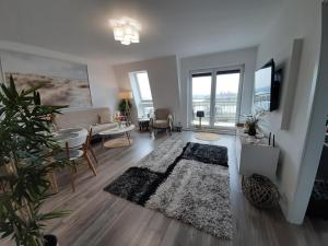 A seating area at Baltic-Apartments - Apartament Bałtyk 5-45 Bay View