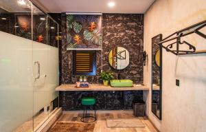 A bathroom at Attic Hotel