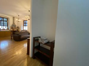 A seating area at Apartmán Hubertus