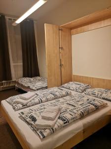Ein Bett oder Betten in einem Zimmer der Unterkunft Center, 2+1 rooms, Prague 1, walk to Wenceslas Square