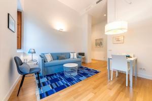 A seating area at Apartamentos Rafael Premium