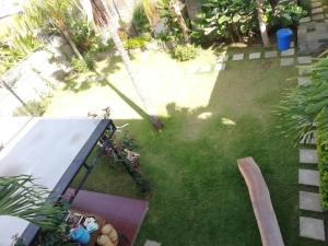 A garden outside Manu Sekuta