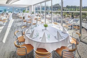 Restaurant ou autre lieu de restauration dans l'établissement Club Vacances Bleues Les Jardins De l'Atlantique