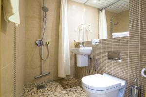 A bathroom at Fra Mare Thalasso Spa
