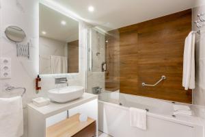 A bathroom at Quinta do Lago Country Club