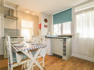A kitchen or kitchenette at The Station House