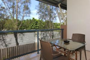 A balcony or terrace at Novena Palms Motel