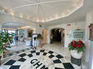 The lobby or reception area at Grand Hotel Michelacci