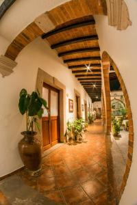 El vestíbulo o zona de recepción de Hotel Mesón de los Remedios