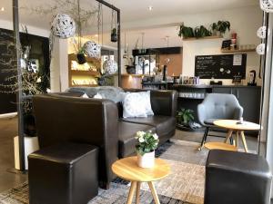 Лаундж или бар в Hotel Lauberhorn - Home for Outdoor Activities