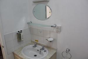 A bathroom at The Darnley Hotel