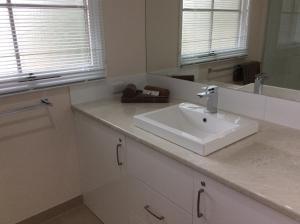 A bathroom at Winbi River Resort