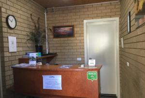 The lobby or reception area at Sunrise Motel