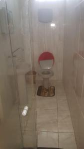 A bathroom at Pousada galaxi
