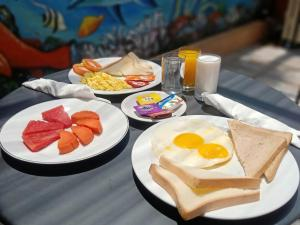 Breakfast options available to guests at Caroline Guest House