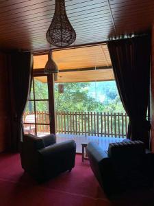 A seating area at Ella Wood Cabin