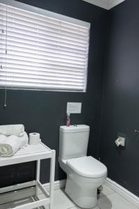 A bathroom at Conifer Guest House
