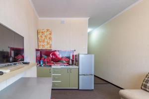 A kitchen or kitchenette at Студия для 2-х (центр Одинцово)