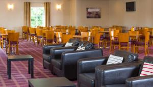 A restaurant or other place to eat at Holiday Inn Express Newcastle Metro Centre