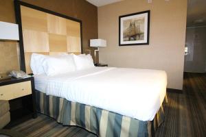 Cama o camas de una habitación en The Watson Hotel