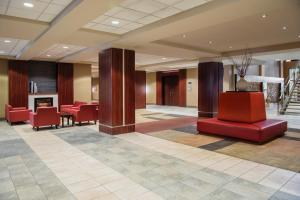 The lobby or reception area at Viscount Gort Hotel, Banquet & Conference Centre