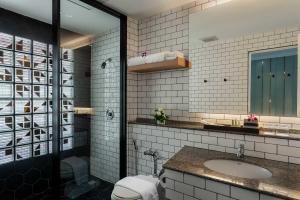 A bathroom at Panwa Boutique Beachfront