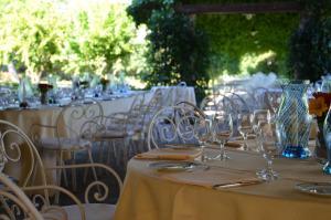 Um restaurante ou outro lugar para comer em Locanda Cipriani