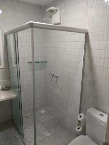 A bathroom at HOTEL MAR ABERTO OLINDA