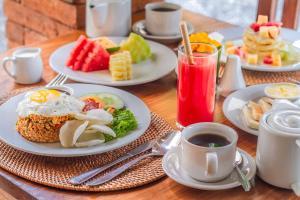 Options de petit-déjeuner proposées aux clients de l'établissement The Runik Ubud