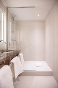 Salle de bains dans l'établissement Hôtel Alfred Sommier