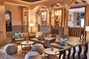 The lounge or bar area at Steigenberger Hotel and Resort Camp de Mar