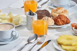Options de petit-déjeuner proposées aux clients de l'établissement Urban Hotel Estacao