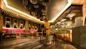 A restaurant or other place to eat at Radisson Blu Hotel GRT, Chennai