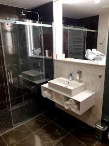 Koupelna v ubytování Hotel Biograf