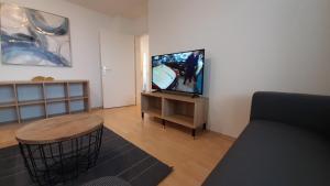 TV/Unterhaltungsangebot in der Unterkunft Gästewohnungen Enztal