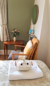 A seating area at Muswell Hill B&B