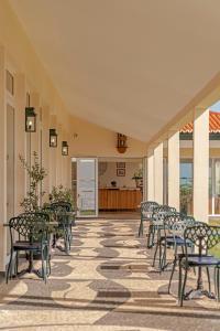 Restaurant ou autre lieu de restauration dans l'établissement Albatroz Beach & Yacht Club