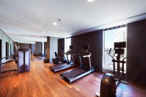The fitness center and/or fitness facilities at The Gate Hotel Tokyo by Hulic