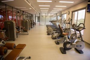 The fitness center and/or fitness facilities at Kin Plaza Arjaan by Rotana