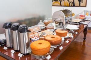 Breakfast options available to guests at Pousada Colonial Chile