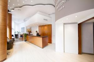 The lobby or reception area at Hotel Garbi Millenni