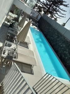Vista de la piscina de El Yate o alrededores